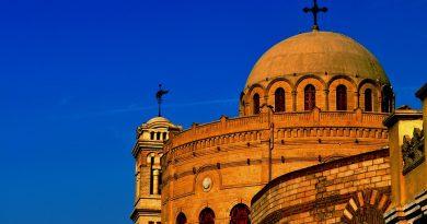 Власти Египта приняли закон о легализации 166 церковных владений в стране