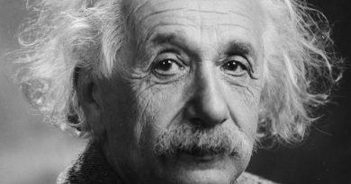 «Письмо о Боге» Альберта Эйнштейна продали почти за три млн. долларов