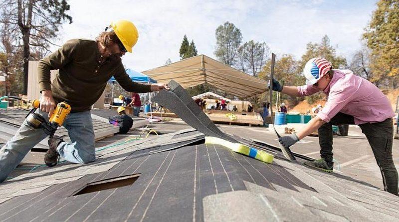 США: Волонтеры построили 202 временных жилища для выживших после пожара в ноябре 2018