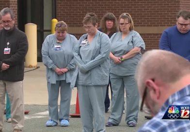 Медицина и вера: христиане поддерживают врачей в США поклонением и молитвой